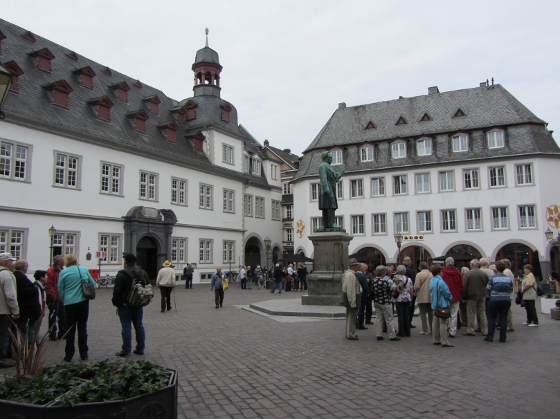 Rathaushof mit Schängelbrunnen