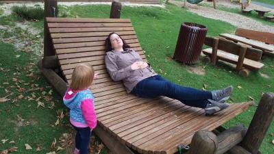 Entspannen nach einer spannenden Fahrt durch den Wildpark Daun