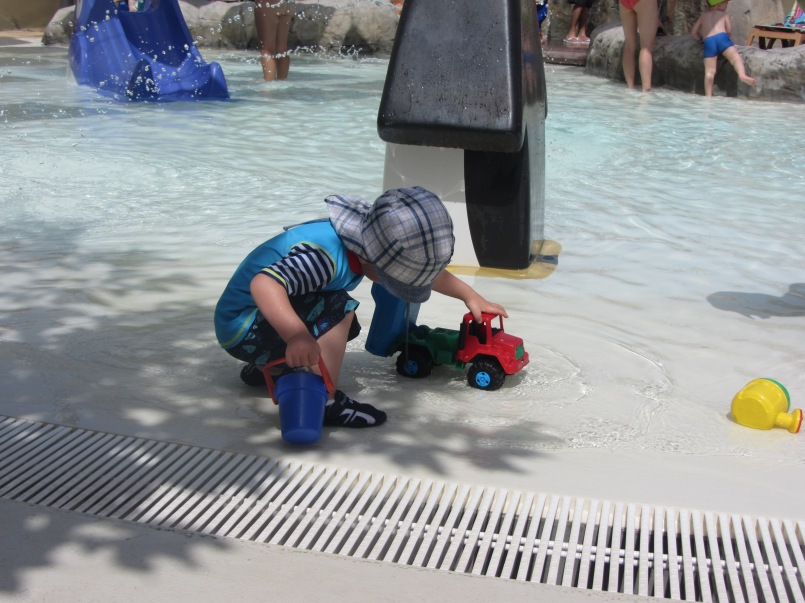 Spielen im tollen Kinderpool