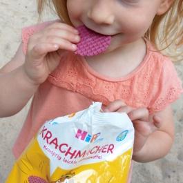 Der jungen Dame schmeckt es aber offensichtlich sehr gut.