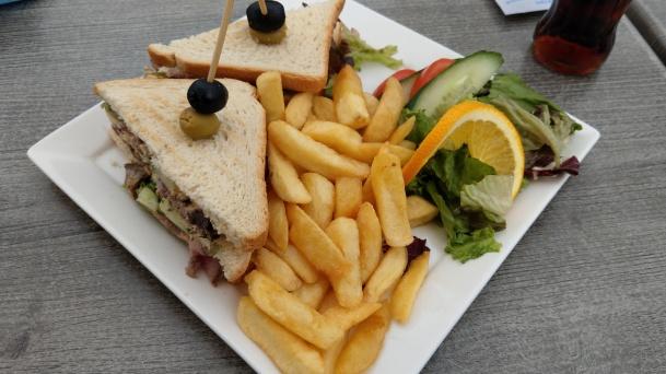 ...und ich gönne mir dieses Sandwich im Strandpavillion C-Side.